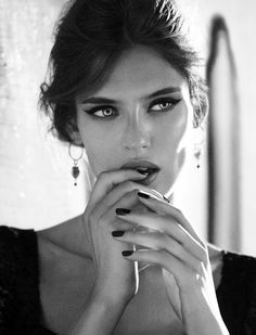 The Style Matrix: Makeup Inspiration: Bianca Balti for Dolce & Gabbana Bianca Balti, Beauty Makeup, Hair Makeup, Hair Beauty, Eye Makeup, Foto Glamour, Modelos Fashion, Italian Beauty, Italian Makeup