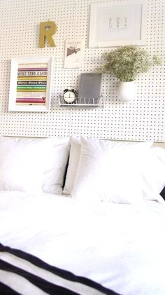 I would love to put pegboard everywhaere anyway, but surprisingly a headboard is not what I would use it for. :D DIY pegboard headboard Pegboard Headboard, Cloth Headboard, Ikea Headboard, Leather Headboard, Diy Headboards, Headboard Ideas, Headboard Shelves, Boho Apartment, Pegboard Organization