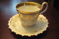 MEISSEN ROYAL PORCELAIN MANUFACTORY [Germany] - ca 1814-1860 CUP & SAUCER