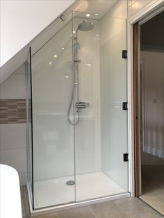 Badezimmer dachgeschoss Bad If you simply do not have the time to plant and maintain your water gard Attic Shower, Small Attic Bathroom, Loft Bathroom, Tiny Bathrooms, Upstairs Bathrooms, Bathroom Renos, Bathroom Layout, Bathroom Interior, Bathroom Storage