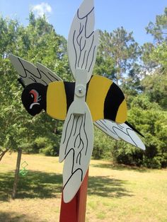 Bumble Bee Whirligig | Breezy Day Delights
