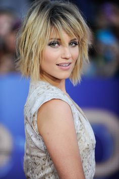 Who would let me cut their hair like this? Dianna Agron Mid Length Hair.  LOVE!