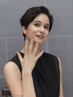 tina goldstein beasts | Back to black: Katherine Waterston, who portrays the down-to-earth and ...