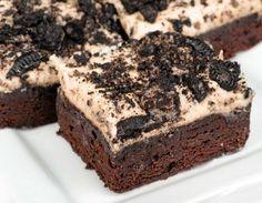 Want a really good piece of cake, and do you love O .- Har du lyst til et virkelig godt stykke kage, og elsker du Oreo-kiks? Så prøv … Want a really good piece of cake and do you love Oreo biscuits? Just try this recipe for super delicious Oreokage! Chocolate Brownie Cake, Oreo Cake, Cake Cookies, Gooey Cookies, Food Cakes, Cupcake Cakes, Oreo Desserts, Chocolate Desserts, Bolo Cookies And Cream