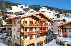 Ruime appartementen in Saalbach. Ideaal voor een vriendengroep of familie wintersport. Cabin, Mansions, House Styles, Image, Trips, Holidays, Home Decor, Runway, Destinations