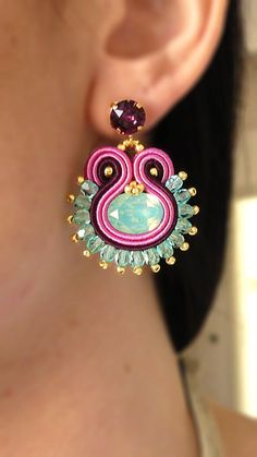 New Embroidery Jewelry Awesome Ideas Shibori, Metal Jewelry, Beaded Jewelry, Earrings Handmade, Handmade Jewelry, Ideas Joyería, Soutache Necklace, India Jewelry, Jewellery