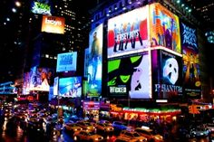 times square. . . oh how i would LOVE to be there right now!