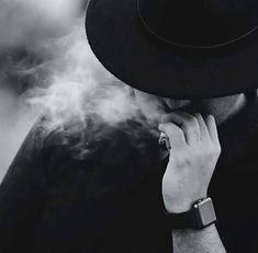 Best Profile Pictures, Guy Pictures, Smoke Photography, Swag Boys, Smoke Art, Arab Men, Boys Dpz, Mens Fashion Blog, Boy Art