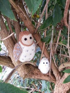 Knit for Victory: Knitted barn owl and baby. The knitting patterns for these owls will be in my book of knitted bird patterns, published by Search Press.