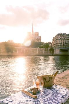 Where to See Sunset in Paris (10 Best Spots & Locations!) | solosophie