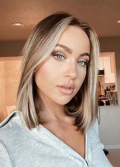 Trendy Medium Sleek Blonde Haircuts for Women in 2021 Haircuts For Medium Hair, Blonde Haircuts, Medium Hairstyles, Cool Hairstyles, Hair Color For Women, Cool Hair Color, Shades Of Blonde, Shoulder Length Hair, Gorgeous Hair