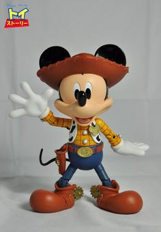 Toy Story · Woody · Mickey Mouse Derek would love this Arte Do Mickey Mouse, Mickey Mouse Toys, Mickey Minnie Mouse, Disney Mickey, Roger Rabbit, Disney Toys, Disney Fun, Disney Ideas, Woody