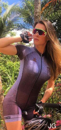 Why Mountain Bike Shoes? Women's Cycling, Cycling Wear, Cycling Girls, Cycling Outfit, Bicycle Women, Road Bike Women, Bicycle Girl, Radler, Mountain Bike Shoes