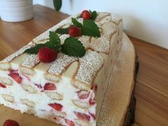 New Easy Cake : Baking with Christina . Easy No Bake Desserts, Delicious Desserts, Yummy Food, Other Recipes, Sweet Recipes, Trifle Pudding, Winter Desserts, Sweet Cakes, Cakes And More