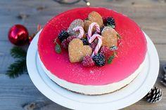 Lag en deilig ostekake med pepperkakebunn til jul. Denne nye vrien på klassisk ostekake kommer både små og store til å elske.