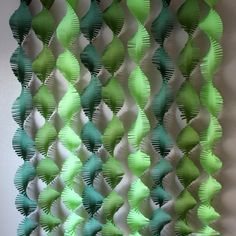 These fringed backdrop streamers are great for many themed parties. Jungle, dinosaur, Where the Wild Things Are and more. Each set includes 100 gram quality 3 Lime, 3 Moss and 3 Forest Green streamers. Each streamer is 6.5 inches wide and 8.5 feet long.