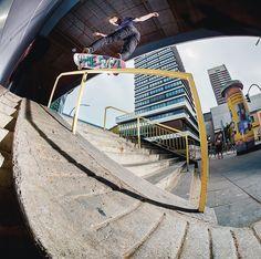 "SOLO Skateboard Magazine (@soloskatemag) sur Instagram : ""@jakehayes - hurricane : @b_gaberman"""