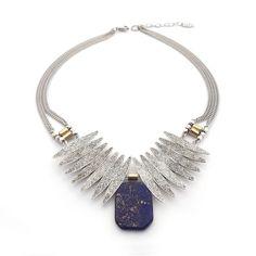 Collier pour femme wellDunn Terra 43,00$ Chaîne argent en acier inoxydable - pierre de lapis lazuli - pyrite - pièces de métal