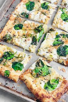 Feta Pizza, Spinach Pizza, Vegetarian Pizza, Best Vegetarian Recipes, Flatbread Pizza, Healthy Pizza, Spinach And Feta, Healthy Recipes, Pizza Pizza