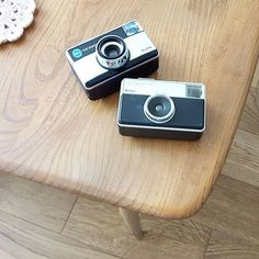 Totally excited about these two little eBay retro camera finds to help with our product photography and branding... one is getting painted mint and cream ☺☺☺☺☺☺☺☺☺☺☺ #kodak #retro #retrocamera #retrocameras #photography #vintage #vintagecamera #vintagephotography #ercol #crochet #branding #rosefiltered #mintandcreamisnext  #mintgreen #cream #hipster #photographer #etsyukseller #etsyuk