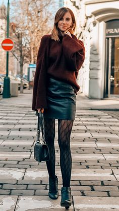 Pantyhose Outfits, Stockings Outfit, Black Pantyhose, Tights Outfit Winter, Dress And Tights Outfit, Fashion Tights, Fashion Outfits, Skirt Outfits, Winter Outfits