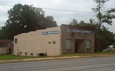 Muscle Shoals Sound Studios Alabama - 3614 Jackson Highway. Formed by four session musicians The Muscle Shore Sound Rhythm Section, reffered to as The Swampers by Lynyrd Skynyrd on Sweet Home Alabama, in 1969
