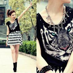 H Tiger & Studs Tee, Diamond Print Skirt, Crosses Necklace
