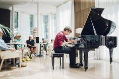 Concerto dei giovani pianisti dell'Accademia Dino Ciani( Xintong Zang (USA/Cina), Tomomi Sato (USA/Giappone),Nicola Pantani(Italia),Dominic Chamot(Germania), al Grand Hotel Savoia. Fotografia: Diego Bandion.