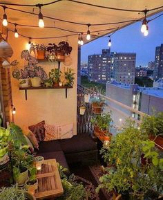 Balkon 38 Smart Balcony Decoration for Your Small Apartment – Balkon ideen Small Balcony Garden, Small Balcony Decor, Balcony Design, Outdoor Balcony, Garden Design, Small Balconies, Outdoor Cafe, Balcony Ideas, Terrace Garden