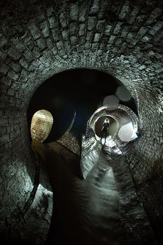 The long forgotten Fleet River, flowing underneath London. Other Ideas of what the atmosphere underground could be like