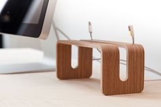 Vertical MacBook Stand by NordicAppeal on Etsy