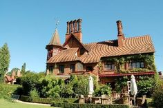 The Five Arrows, Waddesdon, National Trust, hotel and restaurant, Good Hotel Guide review