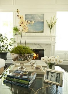 Great display on the table. The combination of items prevents the table from looking like a sea of glass while at the same time provides an earthy feel. It fits comfortably without being over crowded. Coffee Table Styling, Decorating Coffee Tables, Coffe Table, Living Room Designs, Living Room Decor, Living Rooms, Greige, Decoration Table, Home And Living