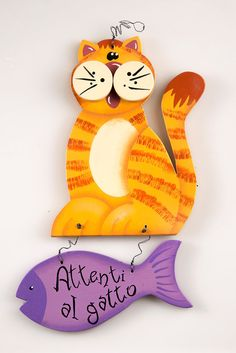 Decorative Painting Projects, Polymer Clay Cat, Chicken Pictures, Clay Cats, Front Door Signs, Outside Decorations, Wooden Cutouts, Cat Signs, Country Paintings