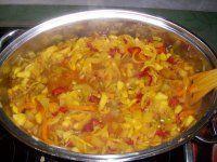 Máte hromadu cuket poradím co s nimi A nemá to chybu. Curry, Cooking Recipes, Baking, Ethnic Recipes, Food, Sweets, Curries, Gummi Candy, Chef Recipes
