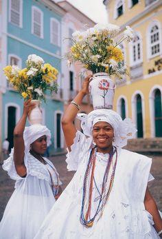 Bahia, Brazil That's the city that I was born. That's my city. Haiti, Voodoo, Black Is Beautiful, Beautiful People, People Around The World, Around The Worlds, Brazil Culture, Brazilian People, Bahia Brazil