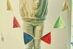 De Estraperlo: Crochet garland for your birthday party