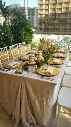 Whimsical dinner table for a wedding reception at #TrumpWaikiki.  #Waikiki #Hawaii #WeddingWednesday #Wedding #Bride #Romantic #EaselyDesigns #reaeventsanddesigns