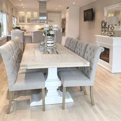 I am living for this dining table! I absolutely loovvee white wash!! What do you think?