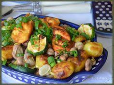 Bób z grillowanym oscypkiem, ziemniakami i cukinią
