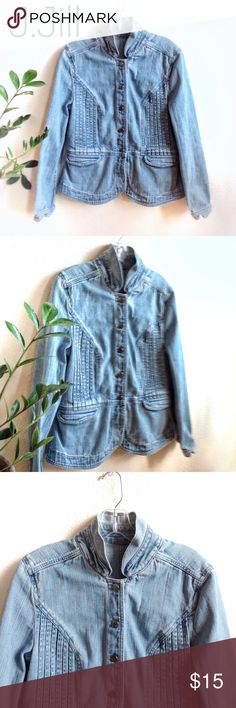SALE🔥J. Jill Military Jean Jacket! Great condition, clean & very well made. Military style Jean jacket with unique front slat detail, popper collar & Navajo hatch buttons. No flaws to report! Size is missing on tag, but bought this new from J. Jill and is a large. Worn about three times - time for her to find a forever home! Offers welcome! ❤️🌈❤️ Chicos Ralph Lauren Sundance Anthropologie J. Jill Jackets & Coats Jean Jackets