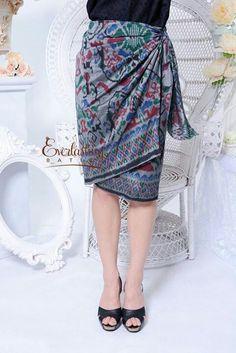Lilit tenun Kulot Batik, Batik Kebaya, Batik Dress, Batik Fashion, Ethnic Fashion, Girl Fashion, Fashion Dresses, Fashion Design, Sarong Skirt