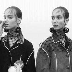 Inspiration Coiffure  : Les tops en backstage du défilé Prada à Milan   https://flashmode.be/inspiration-coiffure-les-tops-en-backstage-du-defile-prada-a-milan-2/  #Coiffures