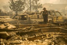 Thousands flee California wildfire as homes go up in flames - REUTERS #California, #Wildfires, #US