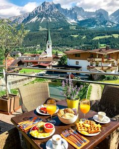 Nadire Atas on Dining with a Fantastic View Hotel Kaiserblick, Ellmau, Austria Oh The Places You'll Go, Places To Travel, Travel Destinations, Beautiful Hotels, Beautiful Places, Breakfast Around The World, Wilder Kaiser, Relaxing Places, Travel Aesthetic