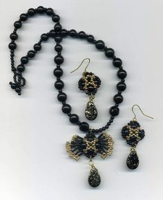 Beaded Earrings/necklace set
