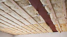 Isoler un faux plafond : http://www.travauxbricolage.fr/travaux-interieurs/isolation-ventilation/isoler-faux-plafond/