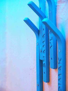 Kwambio: 3D printed Coat Hanger by Ivan Zhurba | Basil Green Pencil