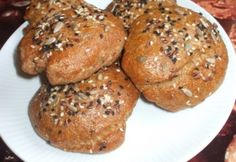 Teljes kiőrlésű zsemle házilag Bread Recipes, Diet Recipes, Vegan Recipes, Salty Foods, Cooking Together, No Cook Desserts, How To Make Bread, Sweet And Salty, Food Menu