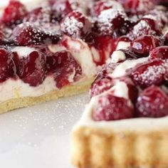 I recently read that raspberries have 8 grams of fiber per serving. Vanilla Bean and Raspberry Tart - so yummy! One of the best summer desserts I've ever tried! Just Desserts, Delicious Desserts, Dessert Recipes, Yummy Food, Cherry Desserts, Summer Desserts, Tea Recipes, Sweet Desserts, Yummy Yummy